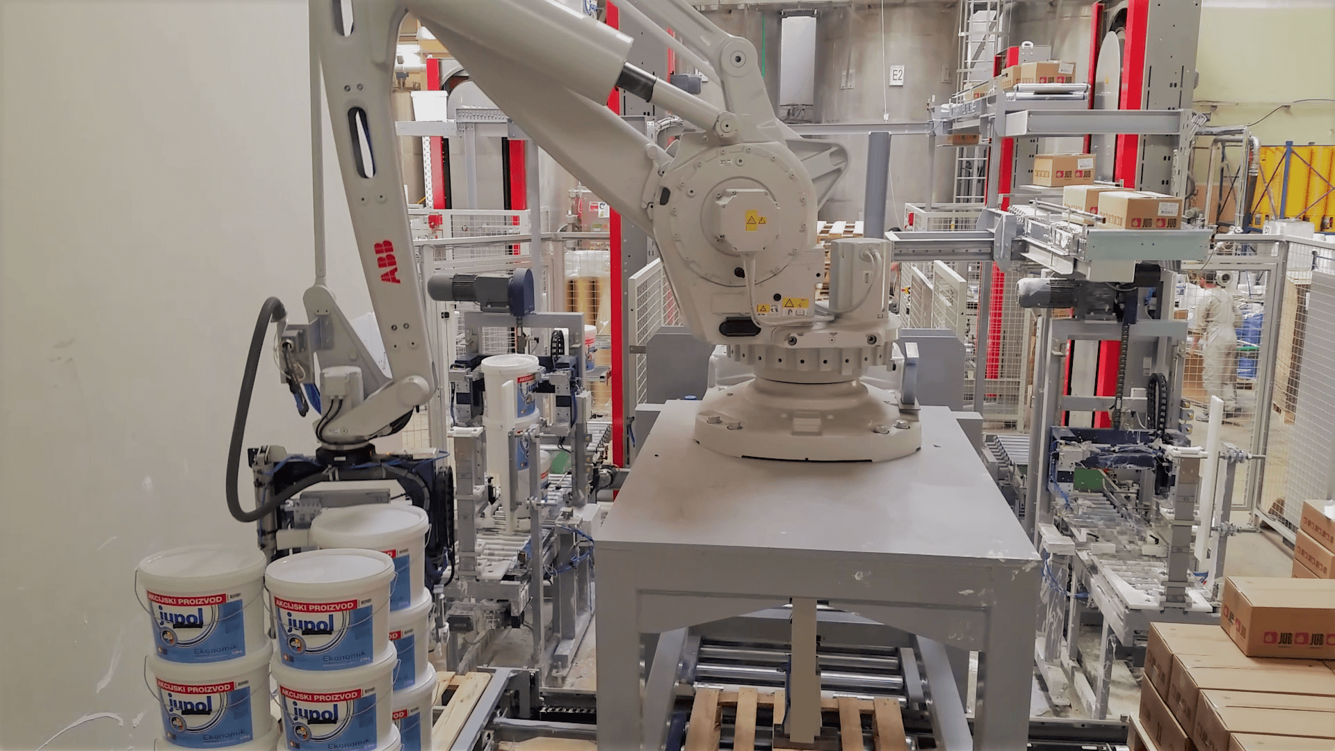 Robotic Palletisers for Buckets and Cases