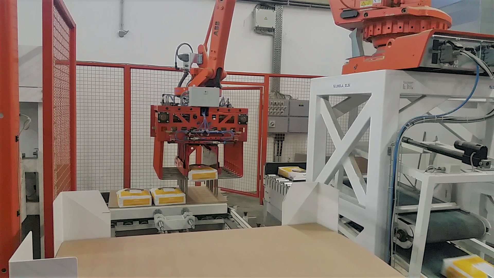 Robotic Palletisers for Open-Mouth Bags